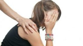 A Worried Parent's Guide to Teenage Hair Loss: Causes, Symptoms & Treatment Options